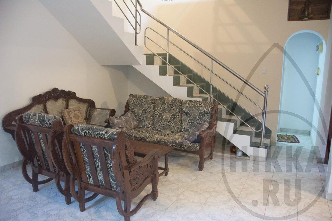 аренда виллы в Хиккадуве 5 спален гостиная 0