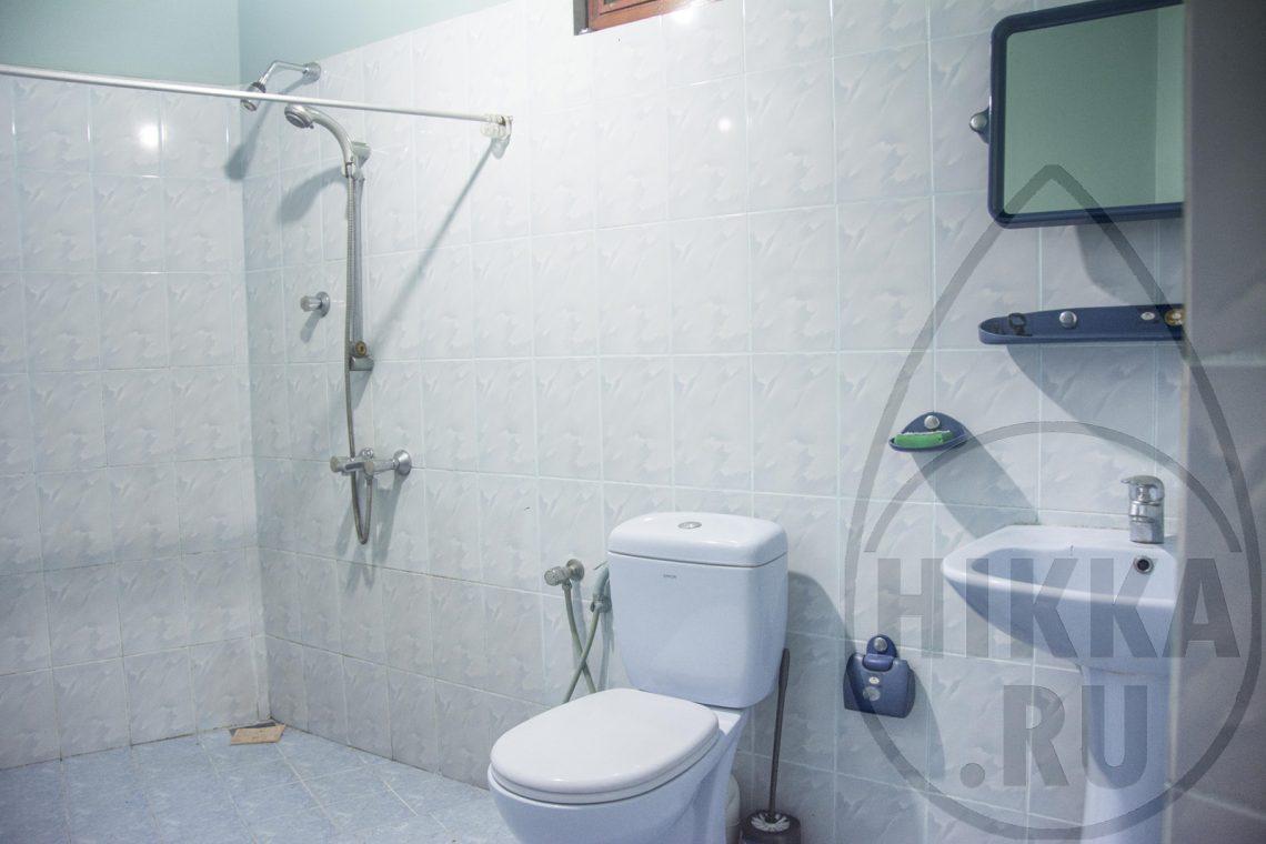 аренда виллы в Хиккадуве 5 спален санузел 1