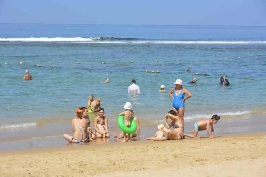 пляж без волн в хиккадуве