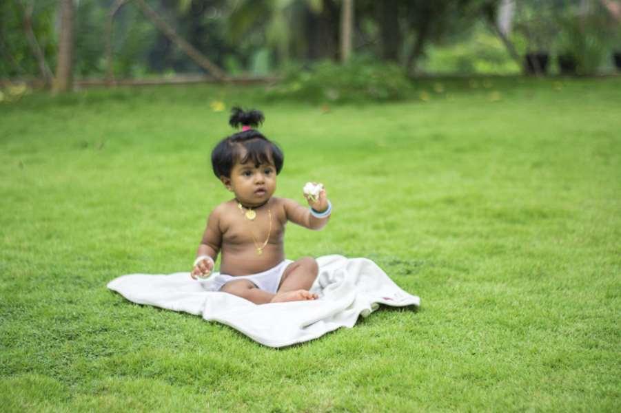шри-ланка ребенок газон цветок