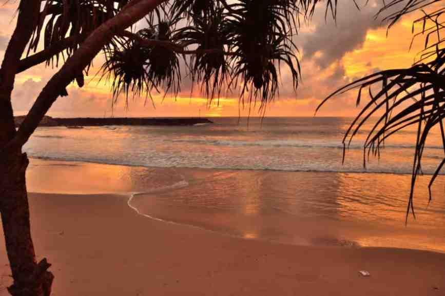 пляж в хиккадуве додандува